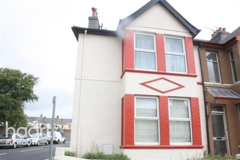 2 bedroom end of terrace house to rent - Ford Park Road Plymouth PL4