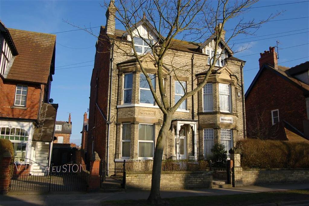 1 Bedroom Flat for sale in Cardigan Road, Bridlington, East Yorkshire, YO15
