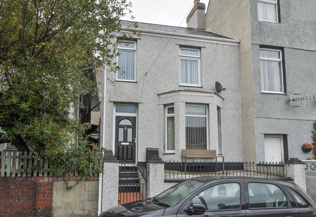 3 Bedrooms End Of Terrace House for sale in Mount Pleasant, Twthill, North Wales