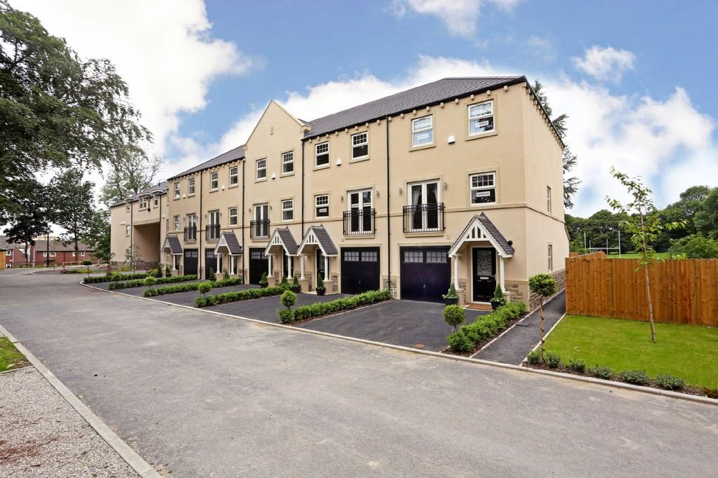 4 Bedrooms Town House for sale in St Faith's Manor, Stanley Royd