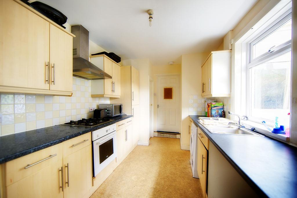6 Bedrooms Terraced House for rent in Ilford Road, High West Jesmond, NE2