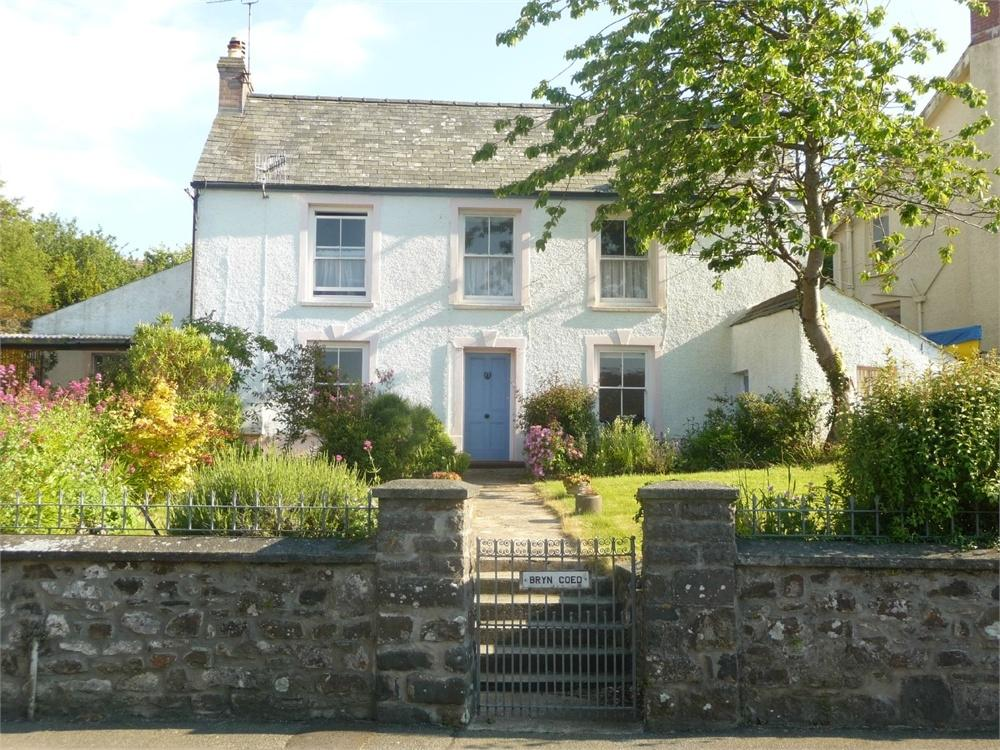 3 Bedrooms Detached House for sale in Bryncoed, Plas Y Fron, Fishguard, Pembrokeshire