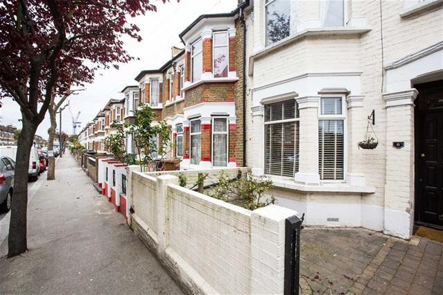 4 Bedrooms House for sale in Adelaide Road, Leyton