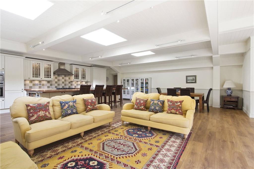 5 Bedrooms House for sale in Littleheath Lane, Cobham, Surrey, KT11