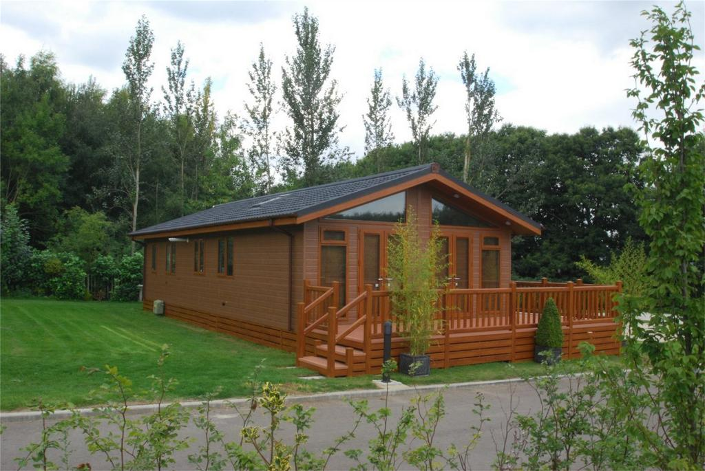 2 Bedrooms Park Home Mobile Home for sale in The Heath, East Malling