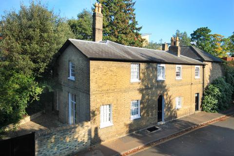 4 bedroom semi-detached house to rent - Gresham Road, Cambridge