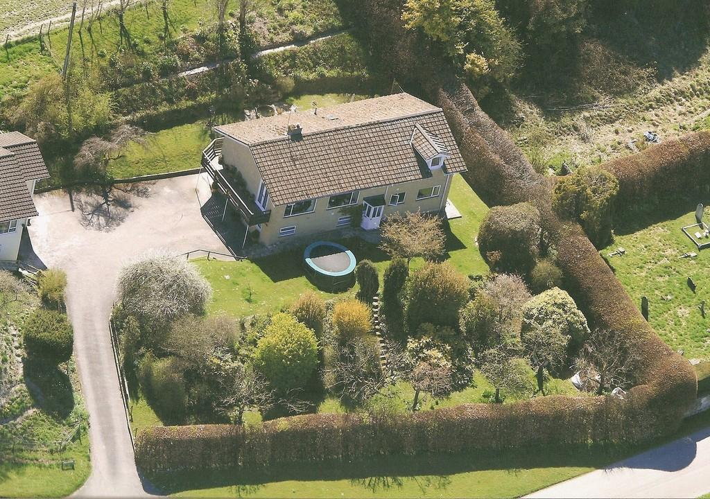 5 Bedrooms Detached House for sale in Corton