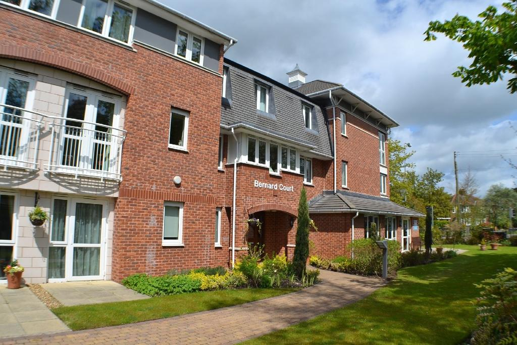 1 Bedroom Retirement Property for sale in Bernard Court, Chester Road, Holmes Chapel