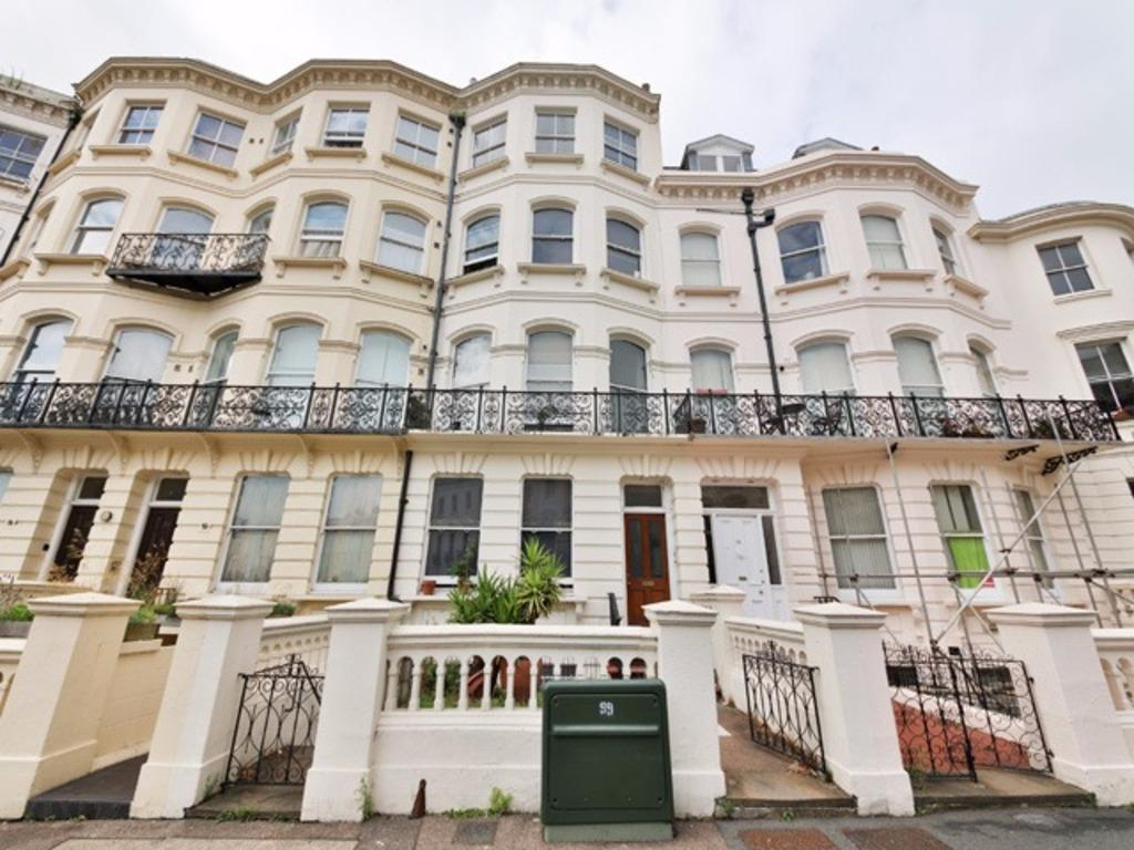 2 Bedrooms Flat for sale in Vernon Terrace Brighton East Sussex BN1