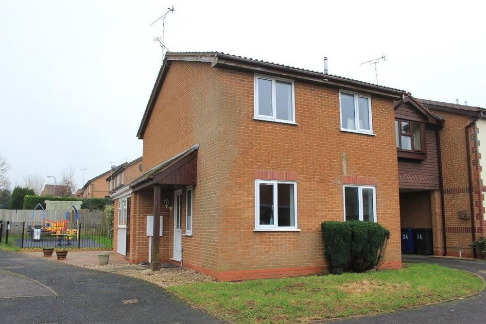 1 Bedroom Maisonette Flat for rent in Heron Drive, Uttoxeter, Staffordshire, ST14 8TN