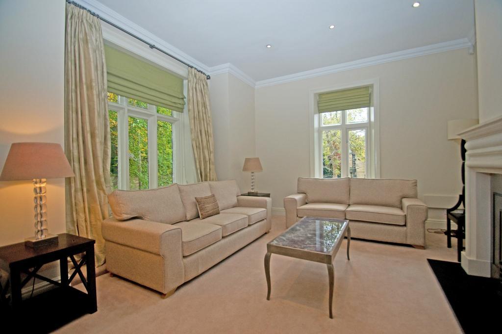 4 Bedrooms Duplex Flat for rent in Cumberland Rod, Headingley, Leeds 6