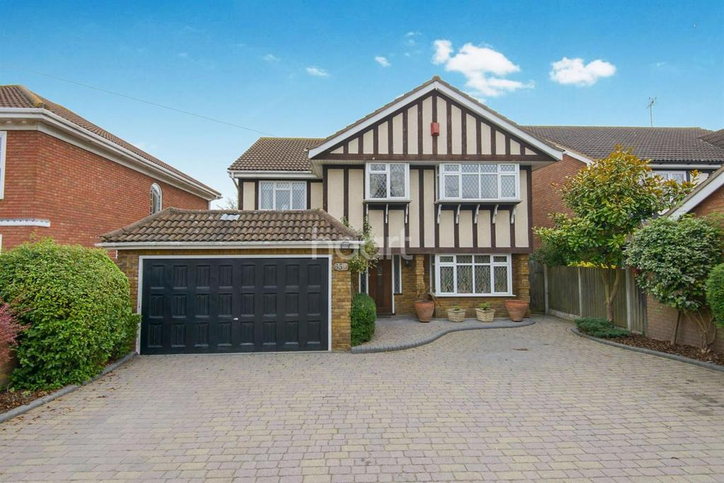 5 Bedrooms Detached House for sale in Nelson Road, Rayleigh