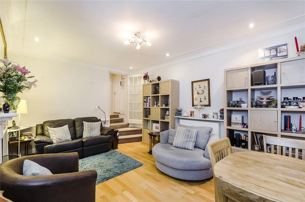 1 Bedroom Ground Flat for sale in Chelsea Embankment, London. SW3