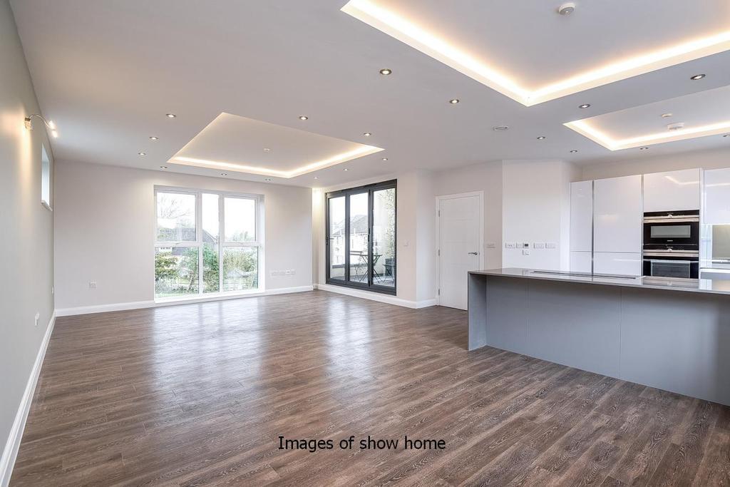2 Bedrooms Flat for sale in Albemarle Place, Albemarle Road, Beckenham