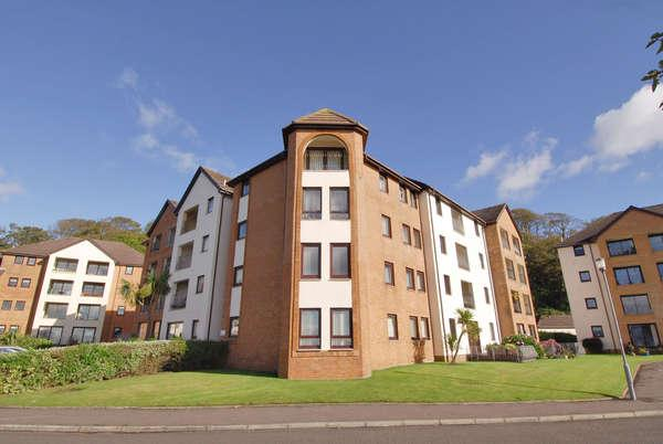 2 Bedrooms Flat for sale in 26 Underbank, Largs, KA30 8SS