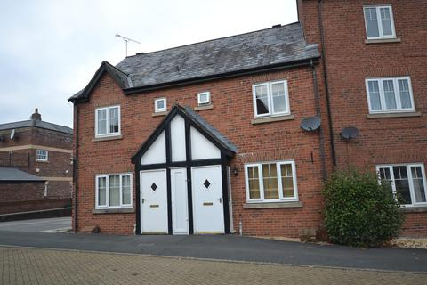 2 bedroom mews to rent - Commongate, Macclesfield