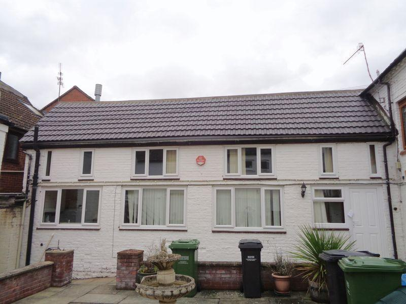 1 Bedroom Terraced House for sale in Port Street, Evesham