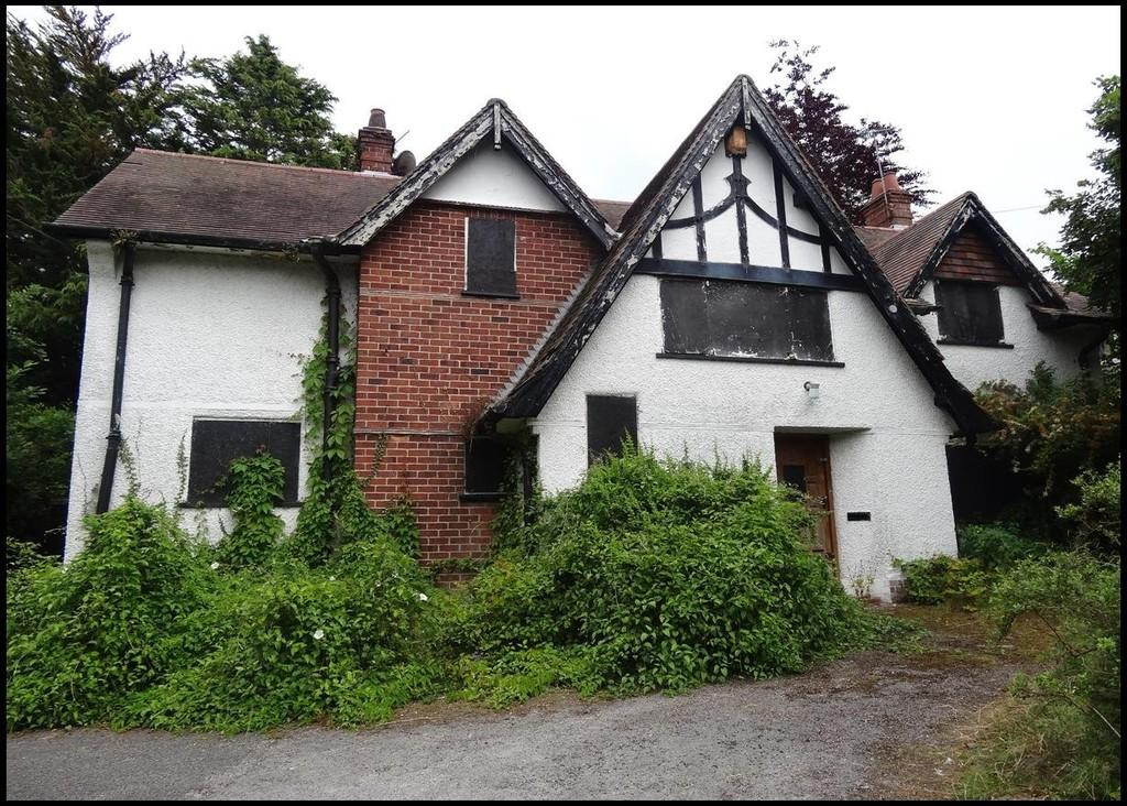 4 Bedrooms Detached House for sale in Meliden Road, Prestatyn
