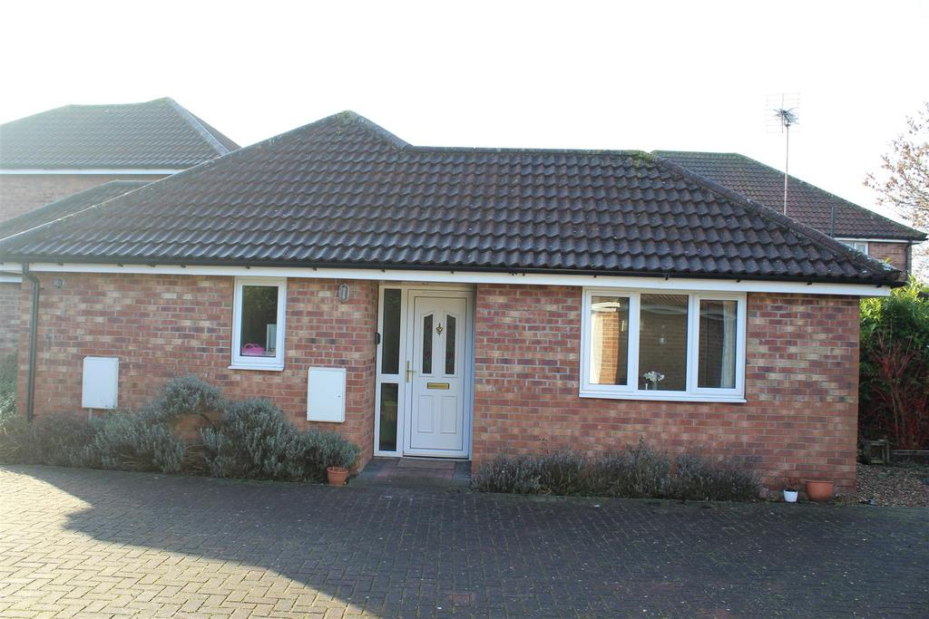 2 Bedrooms Bungalow for sale in Ripley Place, Market Weighton, York