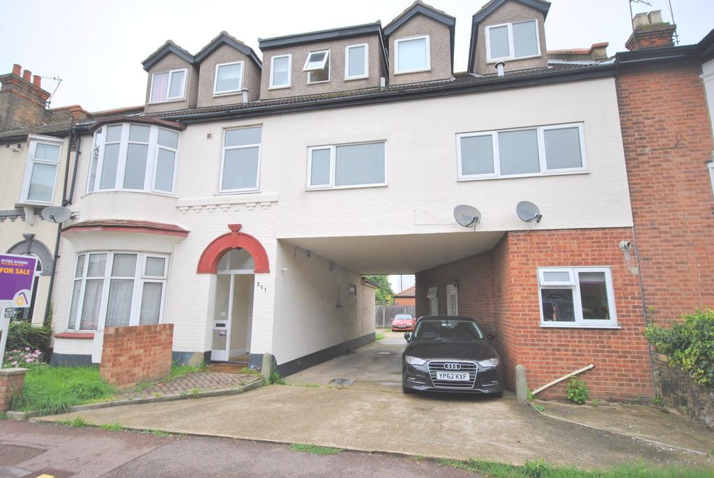 2 Bedrooms Apartment Flat for sale in Pall Mall, Leigh-on-Sea