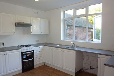 2 bedroom ground floor flat to rent - Faraday Avenue, Sidcup