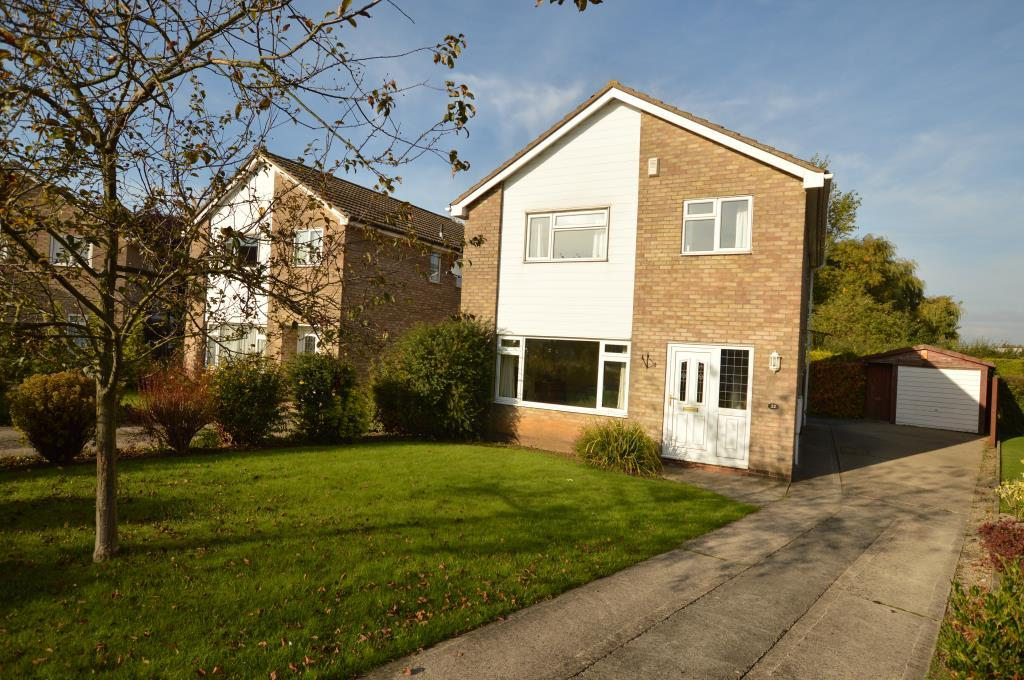 4 Bedrooms Detached House for sale in Glamis Close, Garforth, Leeds