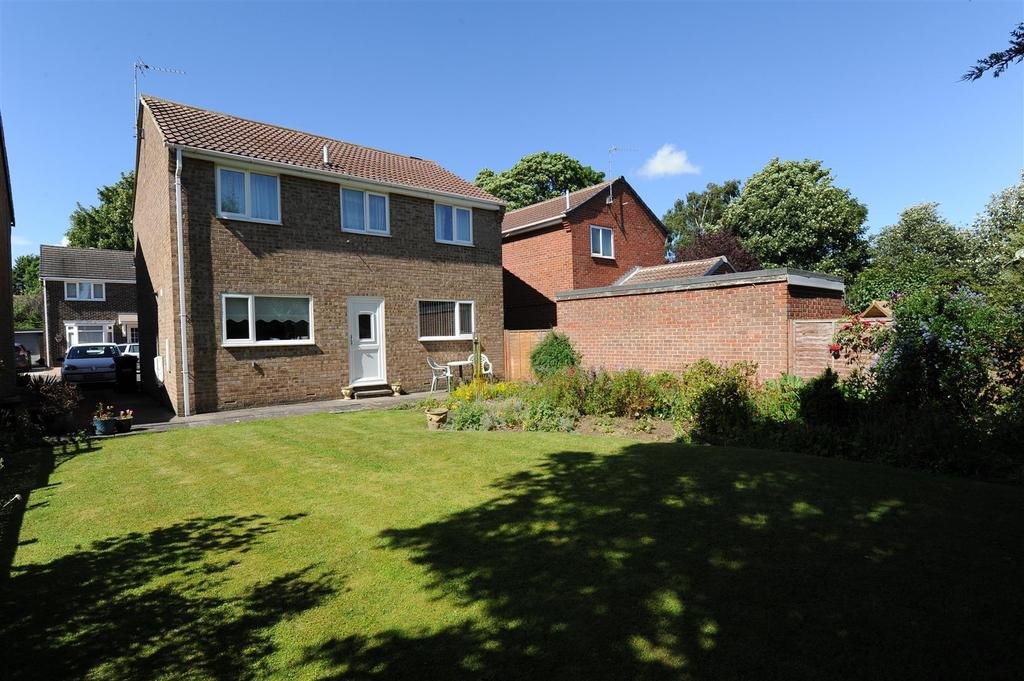 4 Bedrooms Detached House for sale in Brompton Park, Brompton On Swale, Richmond