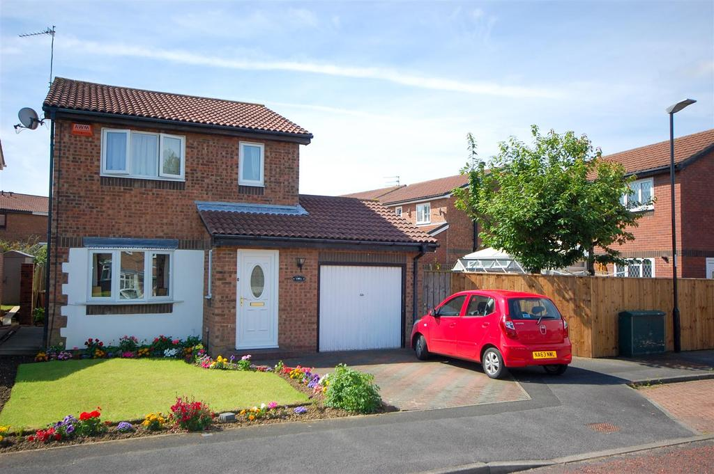 3 Bedrooms Detached House for sale in Gorleston Way, Blakeney Wood Sunderland