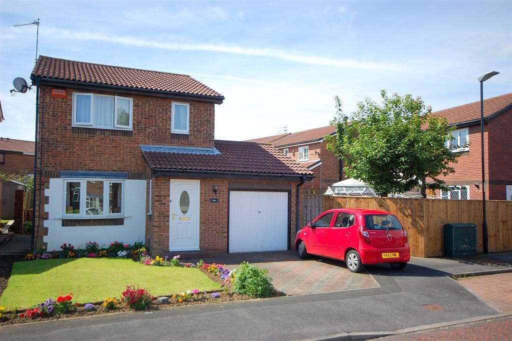 3 Bedrooms Detached House for sale in Gorleston Way, Sunderland
