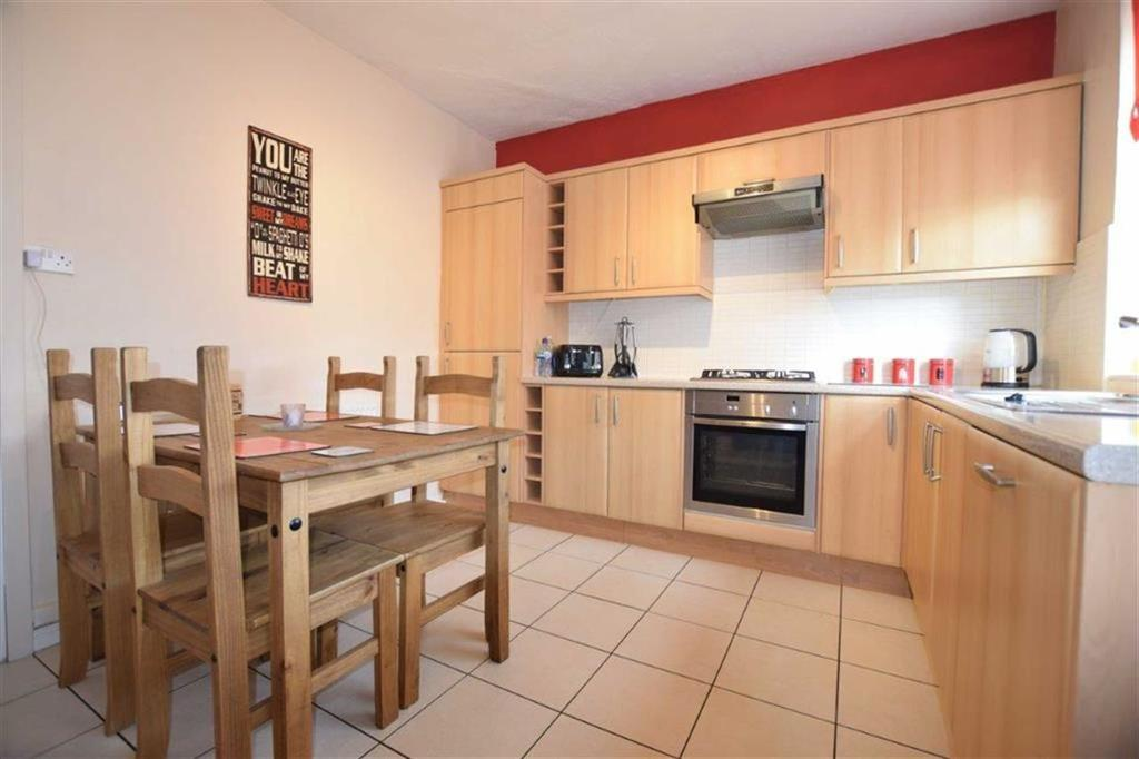 3 Bedrooms Terraced House for sale in Milgate Street, Royston, Barnsley, S71
