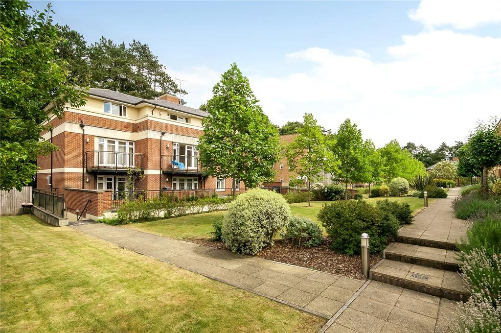 3 Bedrooms Flat for sale in Fraser Gardens, Winchester, Hampshire, SO22