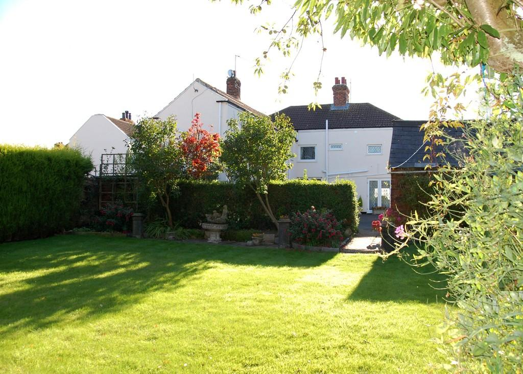 5 Bedrooms Detached House for sale in High Street, Luddington, North Lincolnshire