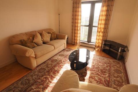2 bedroom apartment to rent - Queens Court, 50 Dock Street, Hull, HU1 3DL