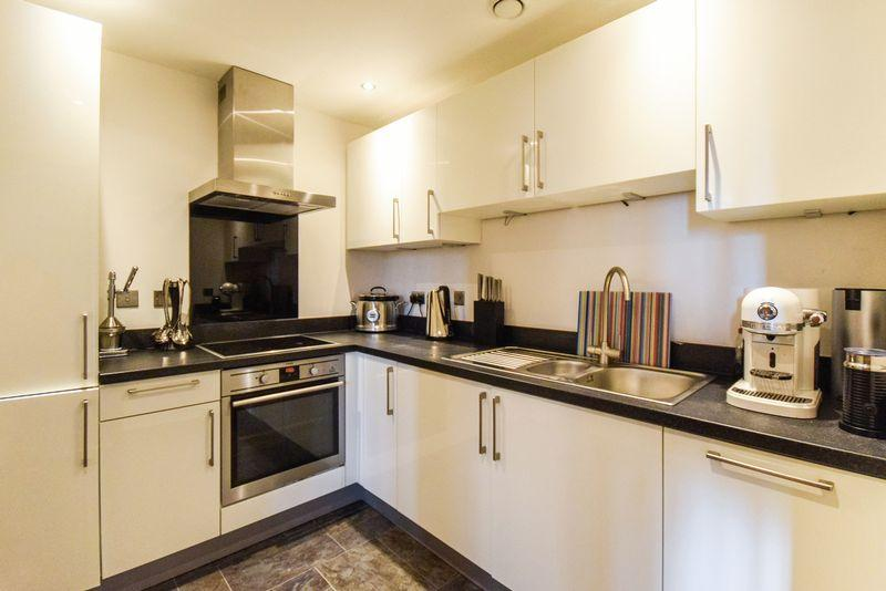 2 Bedrooms Apartment Flat for sale in Masons Mill, Salts Mill Road, Saltaire. BD17