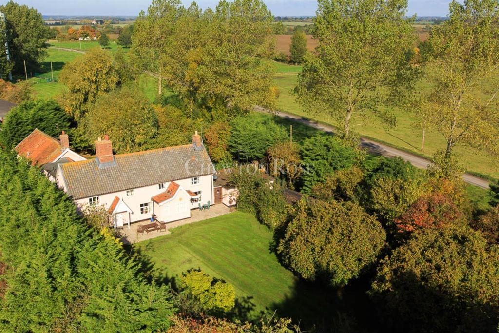 7 Bedrooms Detached House for sale in Suffolk Borders