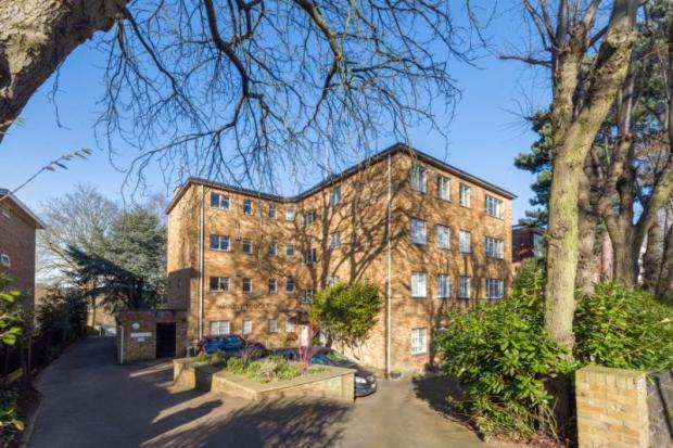 2 Bedrooms Flat for sale in Shepherd's Hill, Highgate, London, N6