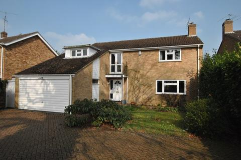 4 bedroom detached house to rent - Caversham Heights