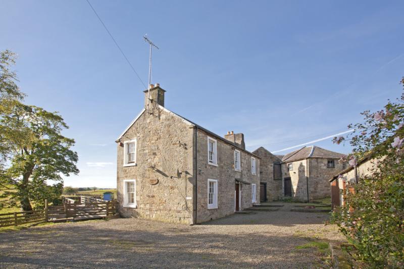 3 Bedrooms Detached House for sale in Folkerton Mill, Douglas Water, Lanark, Lanarkshire