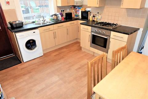 3 bedroom house to rent - Royal Park Road Bed), Leeds