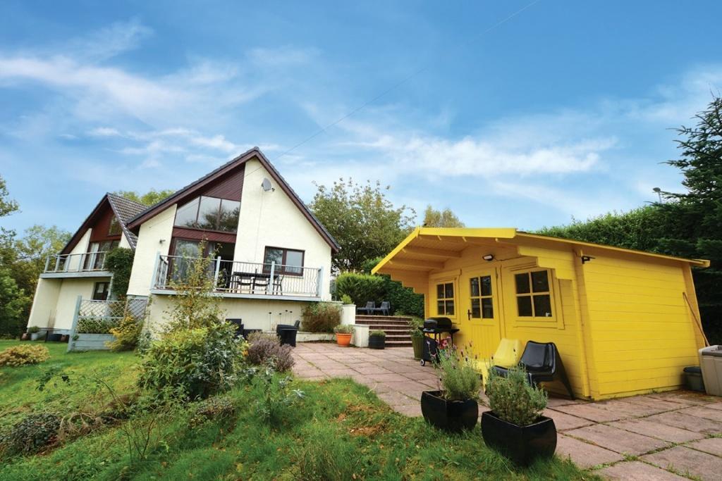 5 Bedrooms Detached House for sale in 62 Castlepark Drive, Fairlie, KA29 0DG