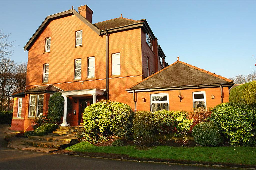3 Bedrooms Apartment Flat for sale in 1 Racefield Hamlet, Chadderton