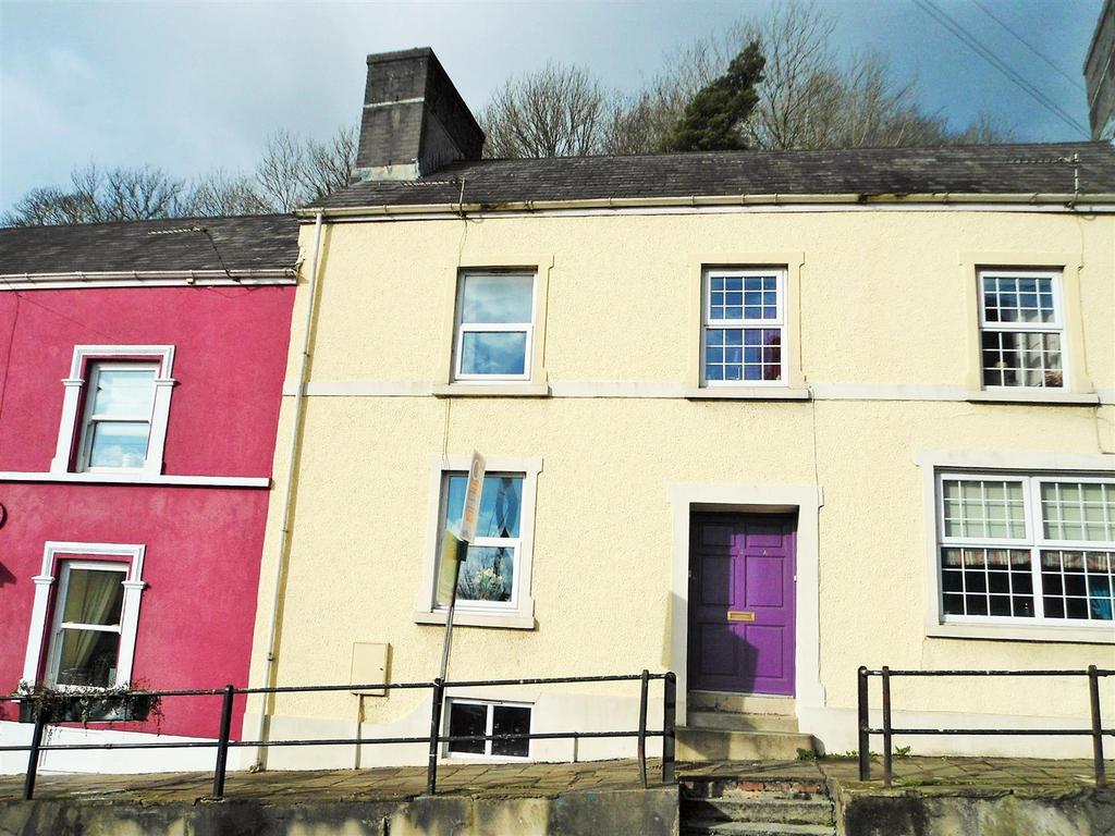 2 Bedrooms Terraced House for sale in Bridge Street, Llandeilo