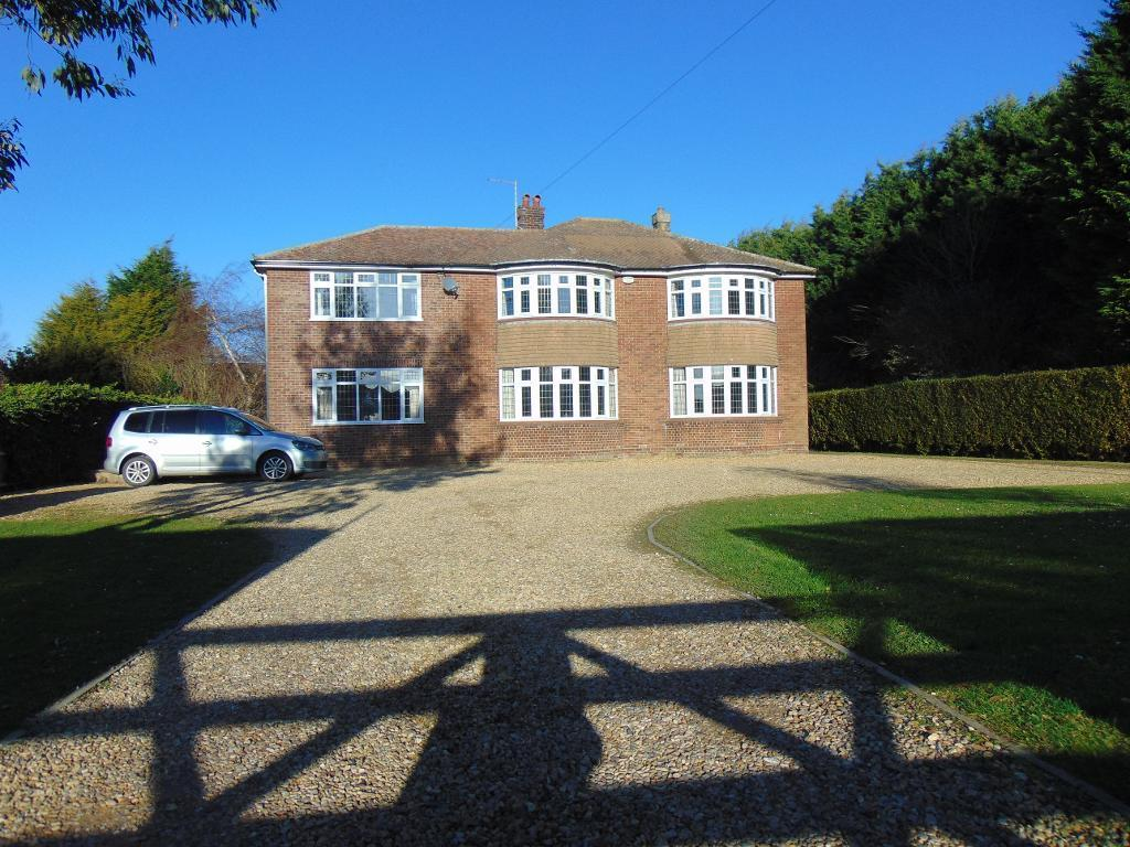 5 Bedrooms Detached House for sale in Bridge Road, Long Sutton, Lincolnshire, PE12 9EF
