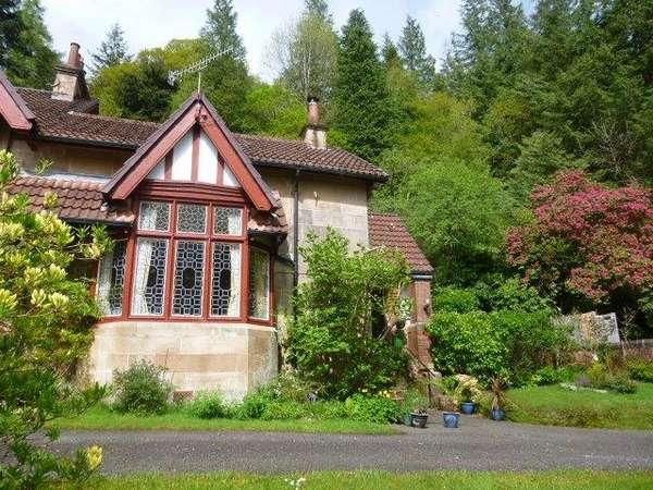 3 Bedrooms Semi-detached Villa House for sale in Ardbeg House, Kilmun, Dunoon, PA23 8SE