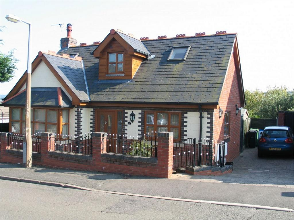 3 Bedrooms Detached Bungalow for sale in West Street, Quarry Bank, BRIERLEY HILL, West Midlands