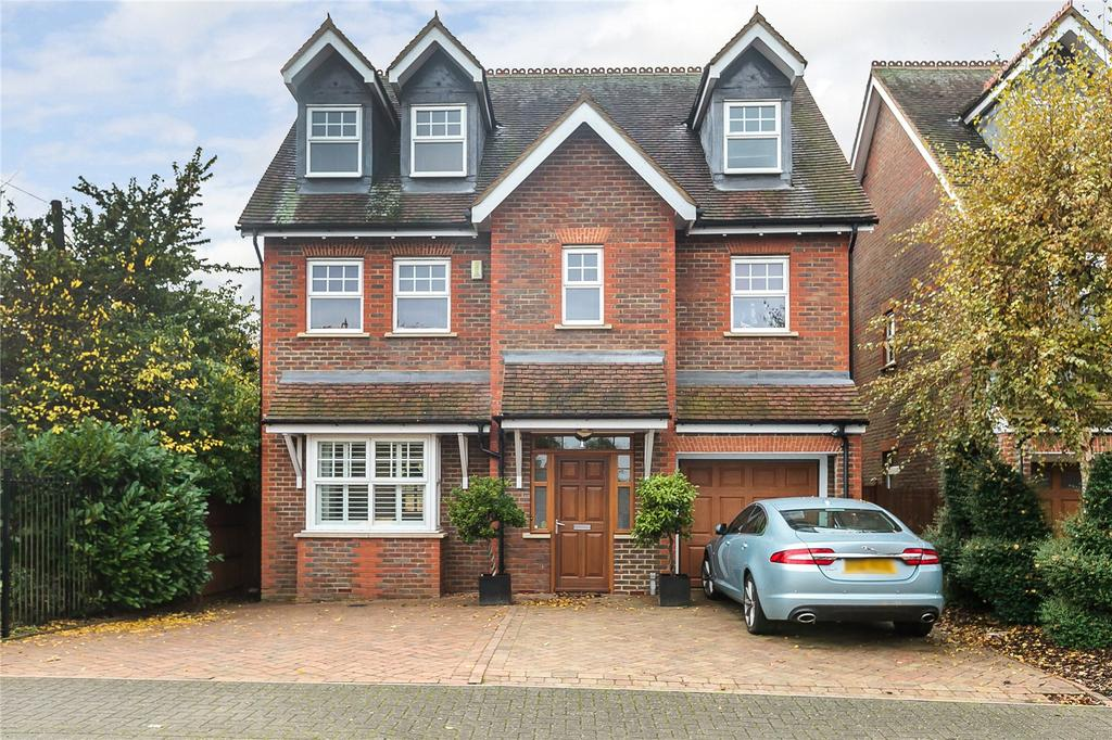 5 Bedrooms Detached House for sale in Hilltop Walk, Harpenden, Hertfordshire, AL5