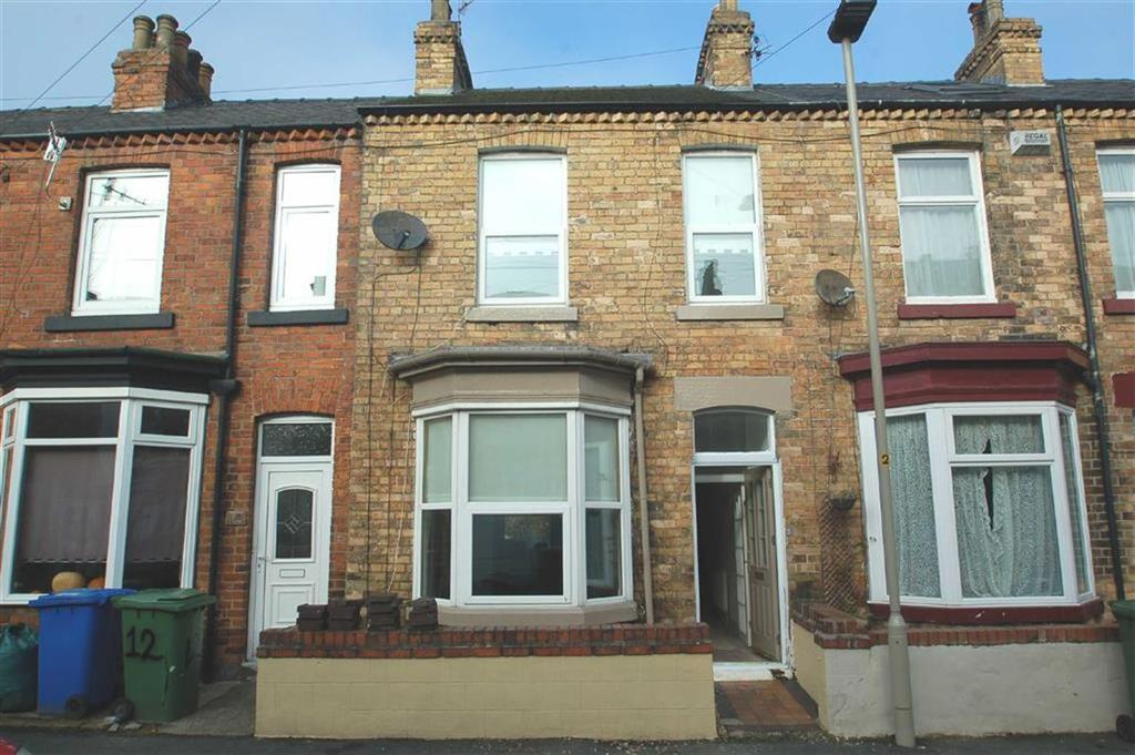 2 Bedrooms Terraced House for sale in Spring Bank, Scarborough, North Yorkshire, YO12