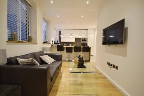 1 bedroom flat to rent - North Mews, London