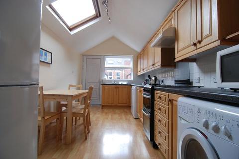 4 bedroom maisonette to rent - Upper Maisonette, Mayfair Road, Jesmond