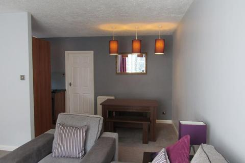 2 bedroom flat to rent - Deans Close, Whickham, Whickham, Tyne & Wear, NE16 4DA